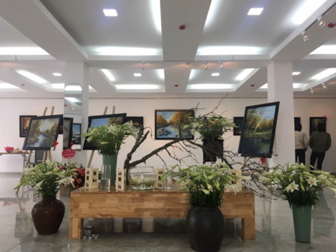 """""""Love will keep us alive"""" exhibition in Hanoi"""