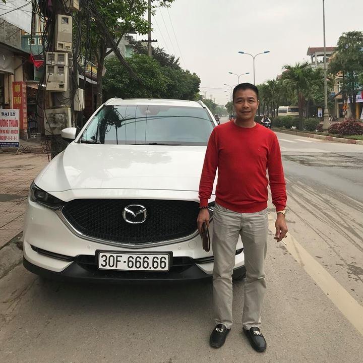 Số đỏ: Mua ô tô cũ, bốc biển ngũ quỹ, giá tăng gấp 3
