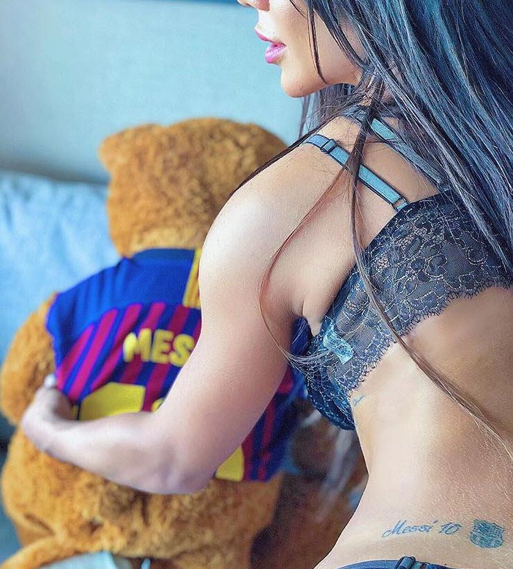 'Người tình' Messi tiếp lửa Barca đại chiến MU