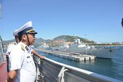 Hai tàu hộ vệ Việt Nam thăm Trung Quốc
