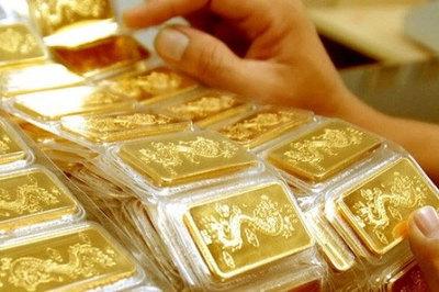 Giá vàng hôm nay 16/4: Tiềm ẩn rủi ro, USD cùng vàng lao dốc