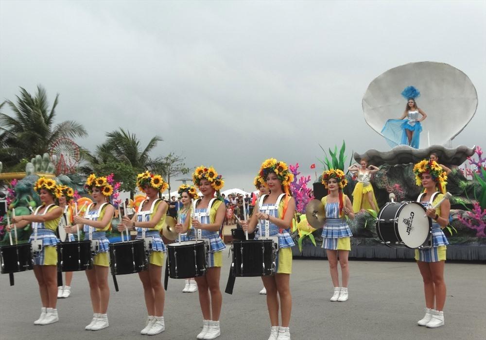 Street carnival at Sam Son Sea Festival 2019
