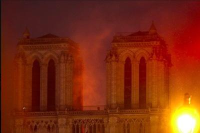 Cháy Nhà thờ Đức Bà Paris: Vì sao lửa khó dập?
