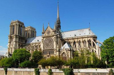 Vẻ đẹp tuyệt vời của Nhà thờ Đức Bà Paris trước vụ cháy