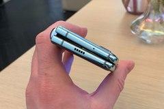 Samsung ra mắt điện thoại gập 2.000 USD