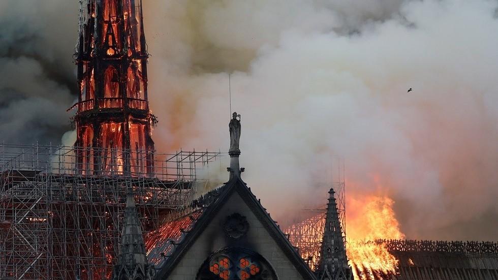 Pháp mở điều tra chính thức vụ cháy Nhà thờ Đức Bà