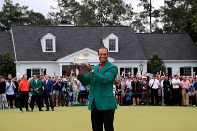 Tiger Woods: Huyền thoại của những huyền thoại