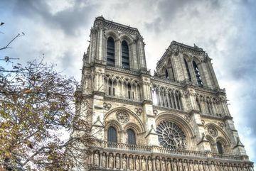 Nhà thờ Đức Bà Paris qua lời văn của đại văn hào Victor Hugo