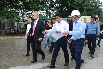 F1 CEO impressed with construction pace of Hanoi's race track