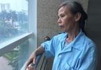 Mẹ nghèo khẩn cầu xin cứu con trai tai nạn liệt nửa người