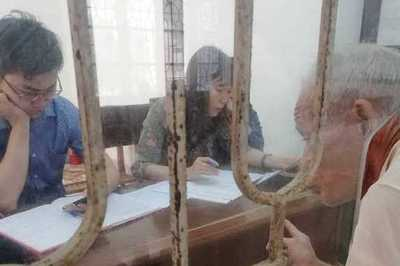 Dân chui qua lỗ làm việc với cán bộ, Nam Định dọa xử người quay clip