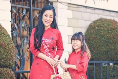Thúy Nga 'cứng họng' khi con gái hỏi mẹ có chồng không