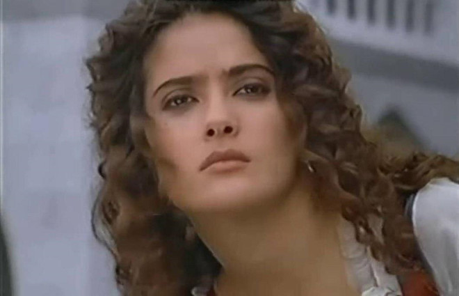 Esmeralda là Gina Lollobrigida