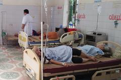 Đi ăn cưới, 8 người ngộ độc nhập viện cấp cứu