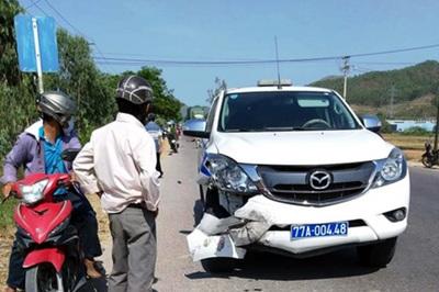 Xe cảnh sát giao thông Bình Định tông chết người đi xe máy