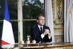Tổng thống Pháp hy vọng xây dựng lại nhà thờ Đức Bà trong 5 năm
