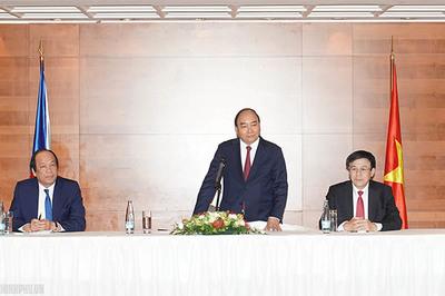 Thủ tướng gặp mặt Liên hiệp Hội người Việt tại châu Âu