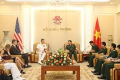 Vietnamese Defence Minister meets USINDOPACOM Commander
