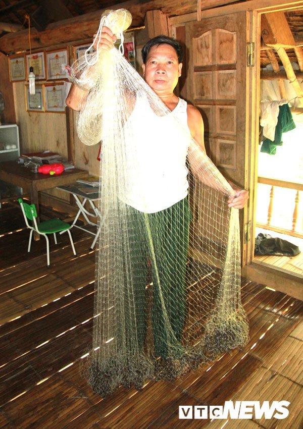 Bình luận Bí ẩn 'Hang Ma' nơi đàn cá đen sì, to như cột nhà, lừ đừ trong hang Ca-hang-ma-1