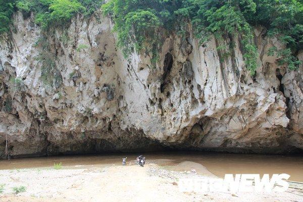 Bình luận Bí ẩn 'Hang Ma' nơi đàn cá đen sì, to như cột nhà, lừ đừ trong hang Ca-hang-ma-2