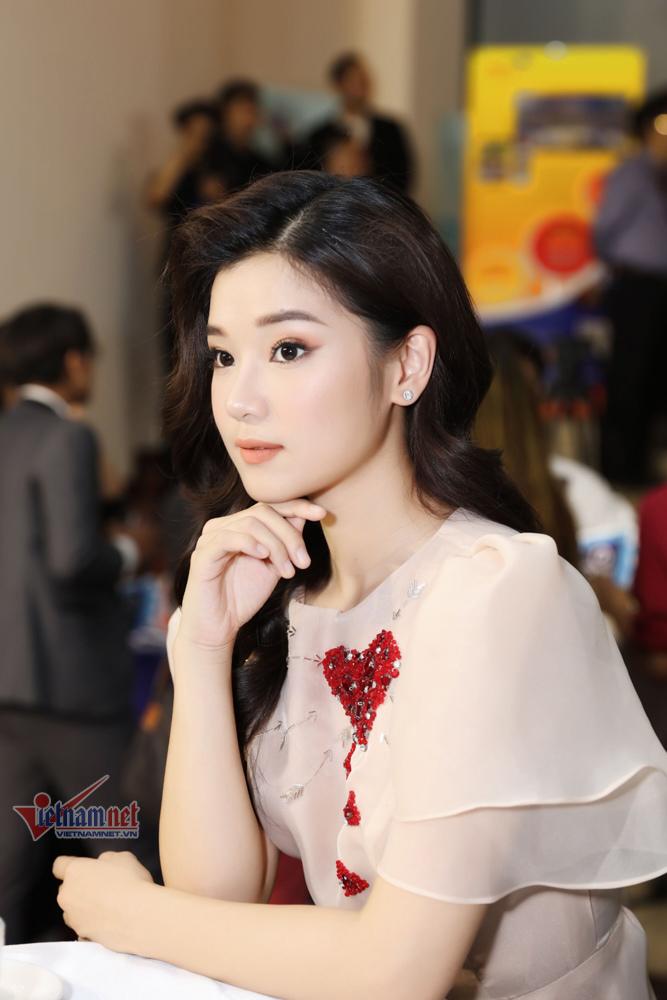 Hoàng Yến Chibi: Tôi chỉ cần nằm yên khi đóng cảnh nóng với bạn diễn
