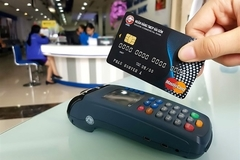 MPOS mobile card payment leads the growth of payment channels in VN in 2018