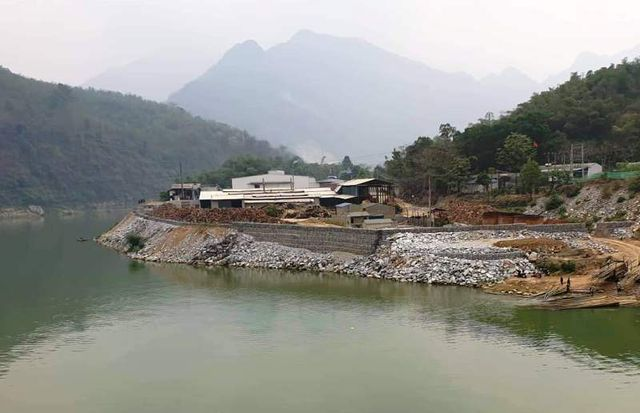 Ma River encroached by workshop embankment