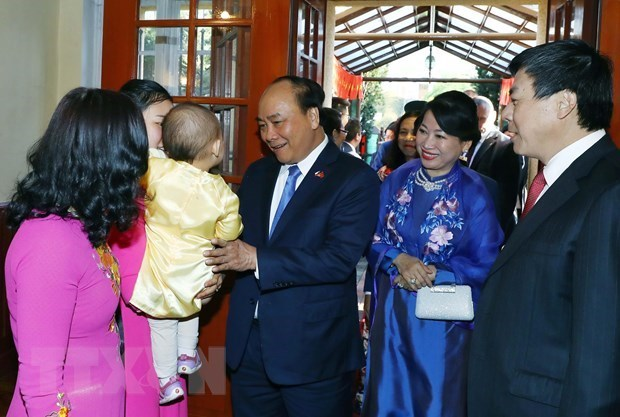 Prime Minister Nguyen Xuan Phuc meets overseas Vietnamese in Europe