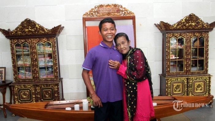 Sau 2 năm lấy chồng 16 tuổi, bà lão 71 thường đến phòng khám vì kiệt sức