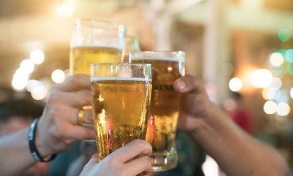 Bí quyết giúp các quý ông uống rượu bia 'ngàn chén' không say