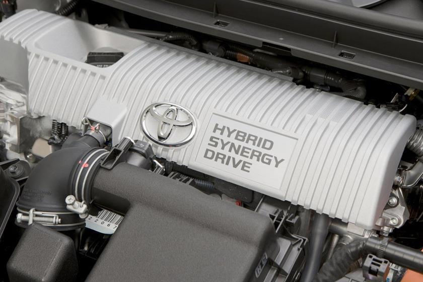 Sedan bán chạy của Toyota gặp vấn đề nghiêm trọng, có nguy cơ cháy nổ
