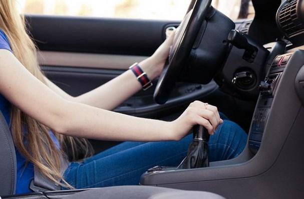 Cách đạp ga ô tô giúp tiết kiệm xăng