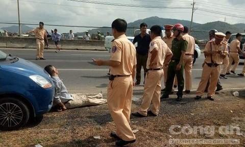 Vụ xe vi phạm tông xe đặc chủng CSGT: Một chiến sĩ đã tử vong
