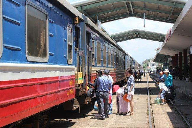 Feedback still needed for trans-Vietnam express railway