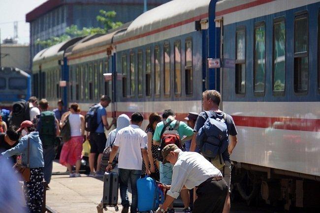 Train fares cut in tourism stimulus program