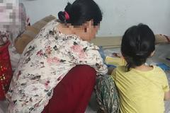 """Người mẹ đau đớn làm đơn tố cáo gã xe ôm 60 tuổi xâm hại con gái 5 tuổi: """"Con bé nói ông ấy làm nó đau lắm..."""""""