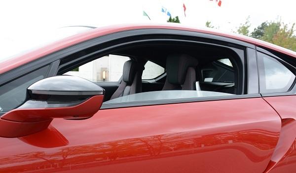 xe hơi,sedan,cửa kính ô tô,ô tô