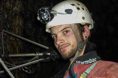 Thợ lặn giải cứu đội bóng Thái mất tích trong hang
