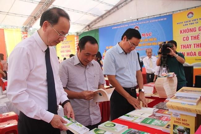 Hàng ngàn đầu sách phục vụ cho Ngày sách Việt Nam