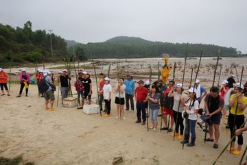 Tourists can experience Quang Ninh fishing life