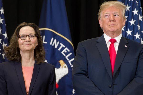 Hé lộ người 'xúi' ông Trump trục xuất hàng chục nhà ngoại giao Nga