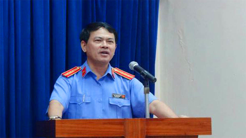 Sàm sỡ bé gái,Nguyễn Hữu Linh,dâm ô trẻ em