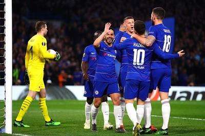 """Rượt đuổi """"điên rồ"""", Chelsea đoạt vé bán kết Europa League"""