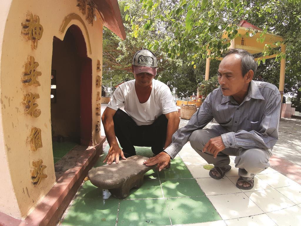 Ly kỳ chuyện 'săn vàng' và truyền thuyết đá nổi ở Thoại Sơn Da-thoai-son-1