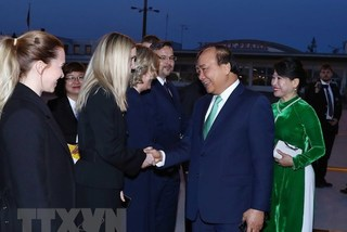 PM Nguyen Xuan Phuc wraps up official visits to Romania, Czech Republic