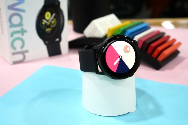 Galaxy Watch Active: Luyện tập hoàn hảo, phong cách thời trang