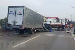 Traffic accident kills two, injures one in HCM City
