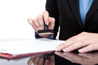 Nên chứng thực ở phường hay văn phòng công chứng tư?