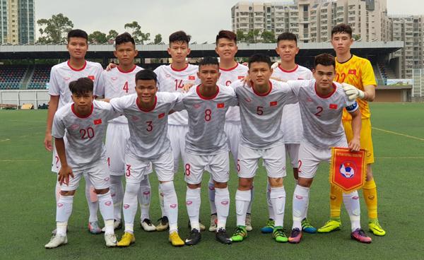 U18 Việt Nam thắng sát nút Singapore trận ra quân cúp Tứ hùng