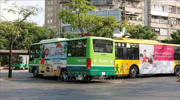 Few bus passengers sign up for smart card